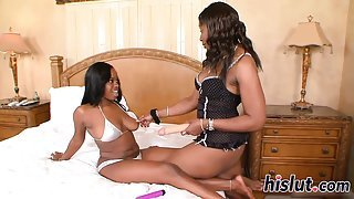 Hot girl-on-girl action with two ebony lookers